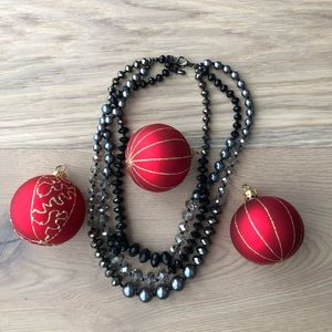 Jewelry - Black resin crystal beads necklace